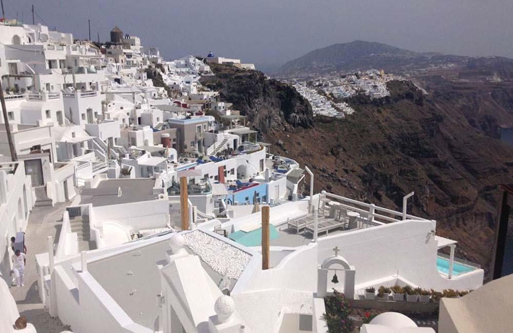Naxos, Small Cyclades & Santorini 7